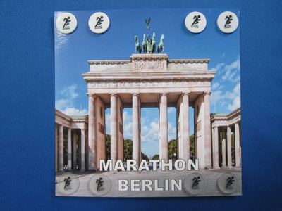 Limited edition: marathon Berlin 8 clips on a card